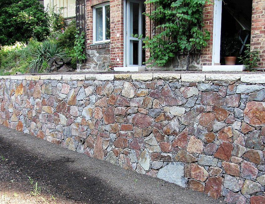 Natursteinmauer Terrasse