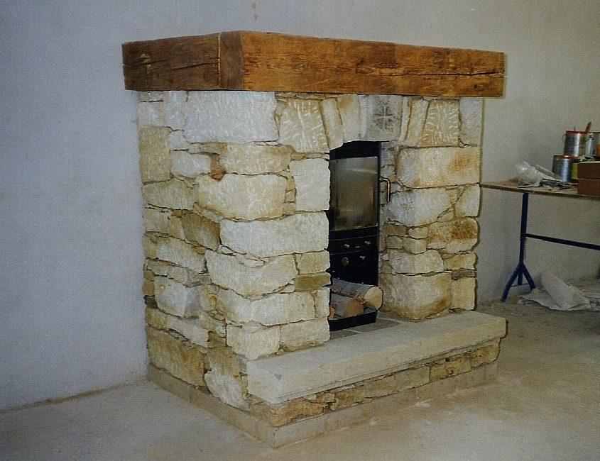 Historische Baustoffe Kamin