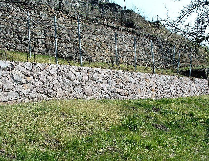 Trockenmauer Naturstein